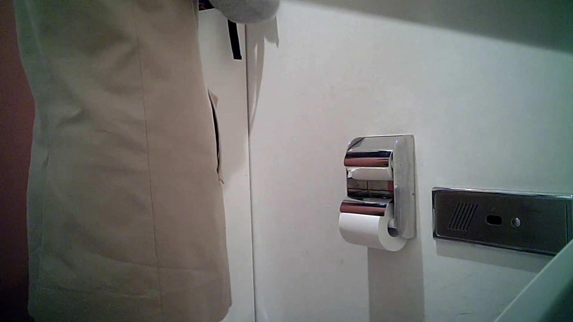 某有名大学女性洗面所 vol.26 和式 盗撮 107PIX 82
