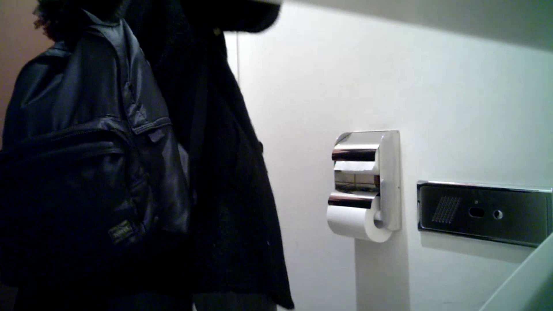 某有名大学女性洗面所 vol.26 和式 盗撮 107PIX 107