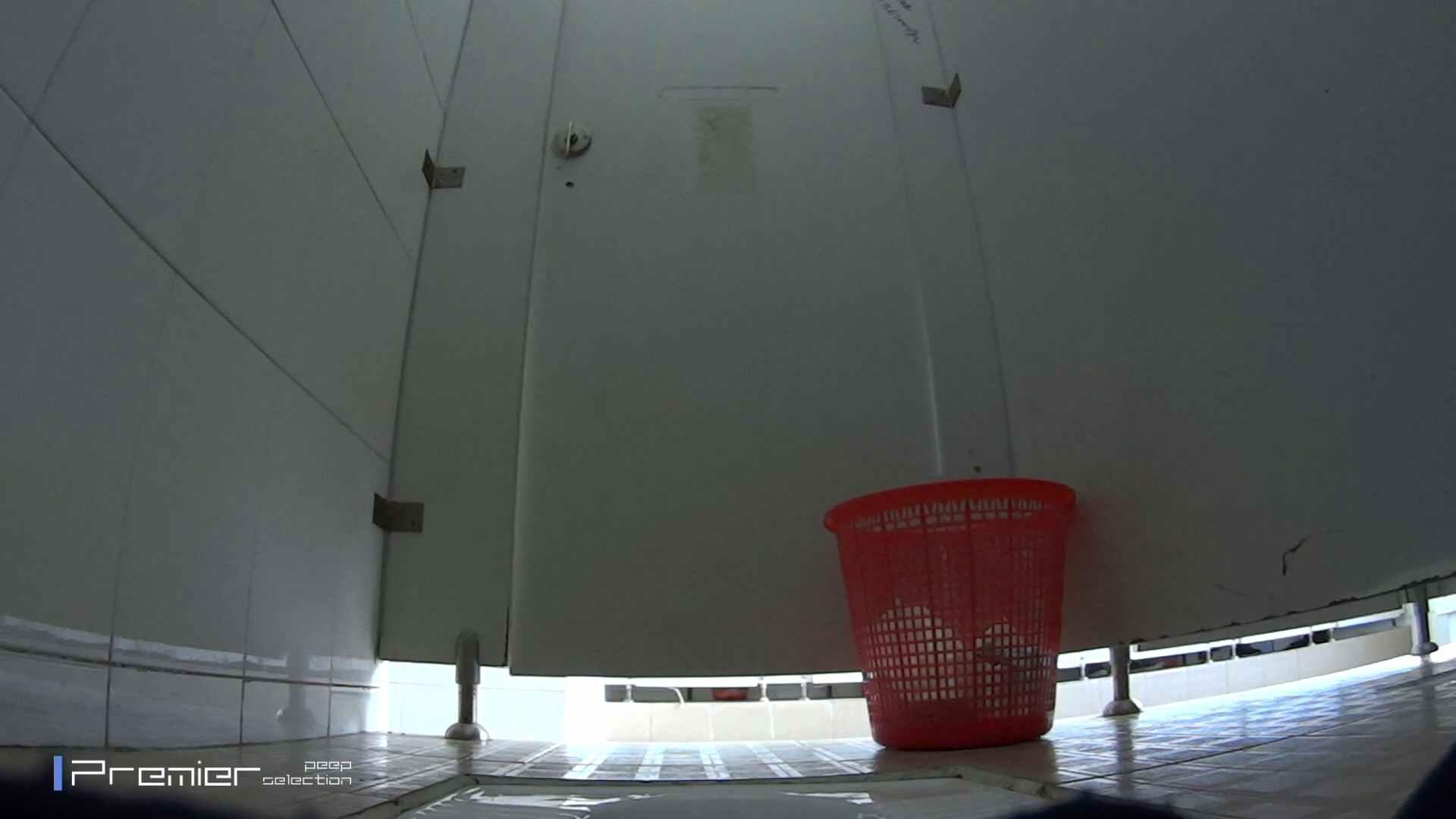 アジアンビューティー達の聖水 大学休憩時間の洗面所事情24
