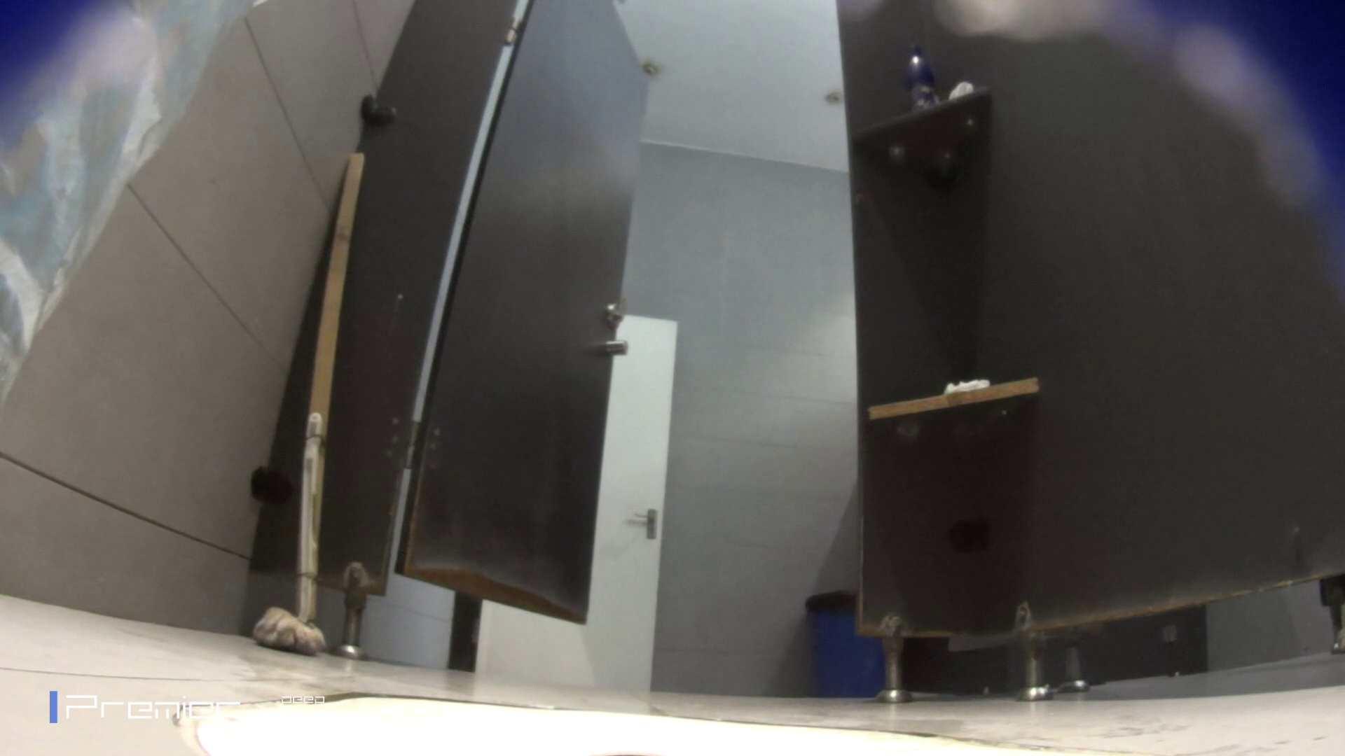 フロントから丸見え! 大学休憩時間の洗面所事情60 高画質  69PIX 42