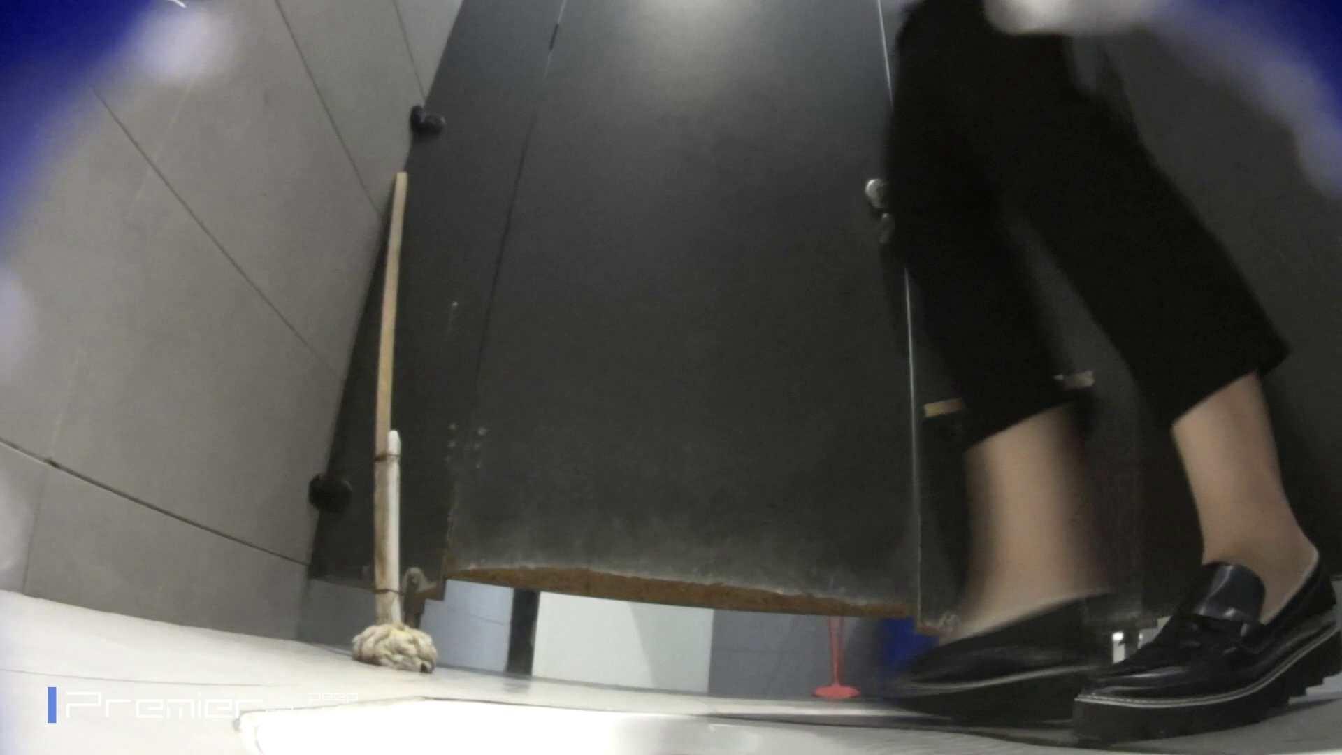 トイレットペーパーを握りしめ個室に入る乙女 大学休憩時間の洗面所事情83 トイレ  92PIX 20