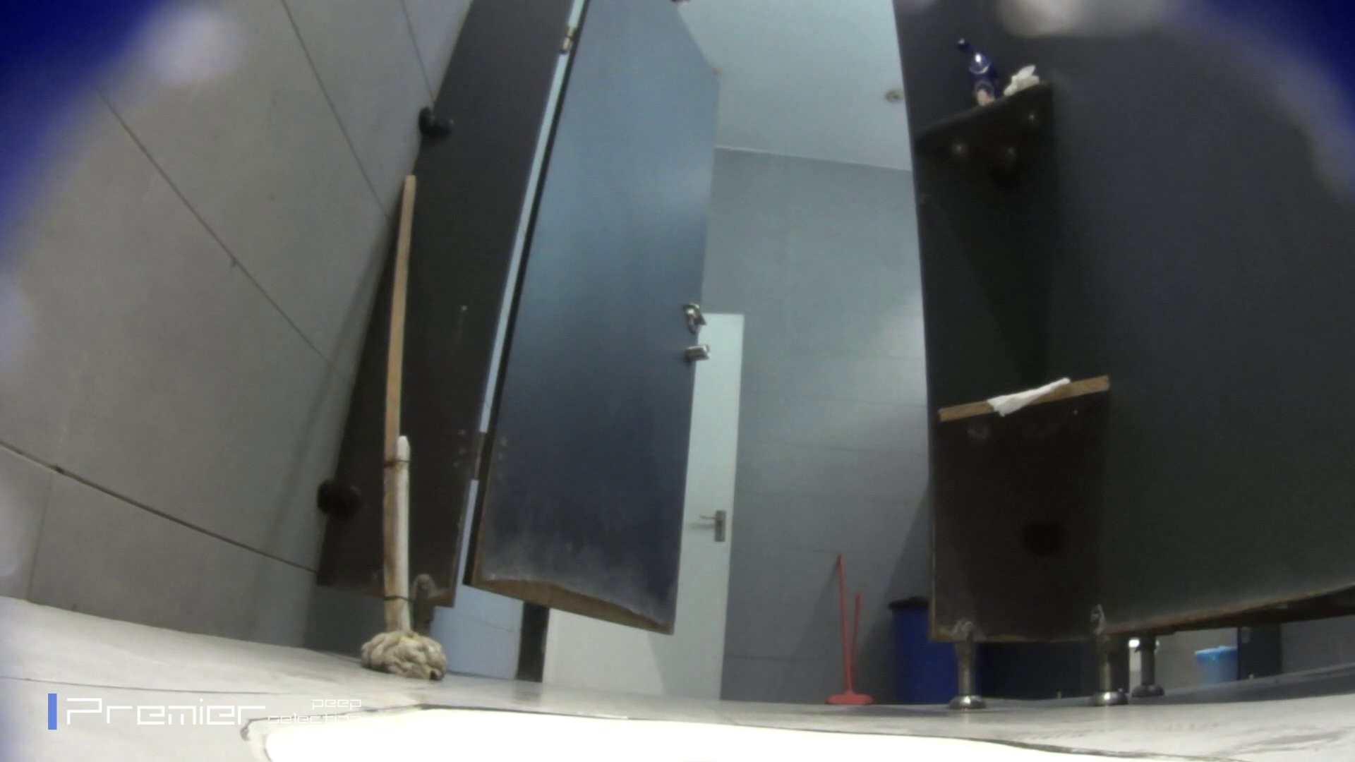 個室のドアを開けたまま放nyoする乙女 大学休憩時間の洗面所事情85 乙女  70PIX 3