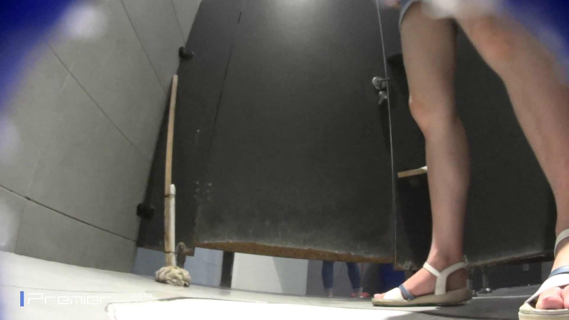 個室のドアを開けたまま放nyoする乙女 大学休憩時間の洗面所事情85 乙女  70PIX 19