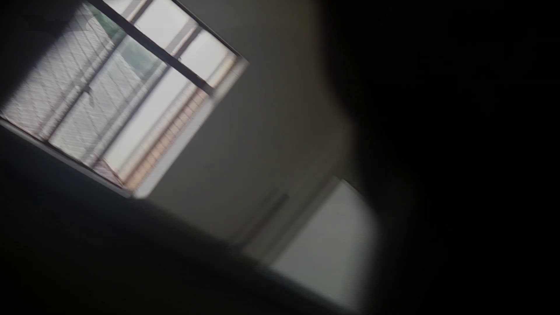 潜入!!台湾名門女学院 Vol.04 二ケツ同時撮り!! ギャル  53PIX 26