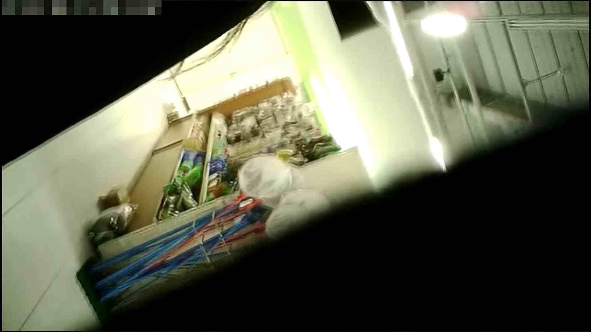 NO.4 開店直後の100円ショップにいたお女市さん お姉さん  76PIX 68