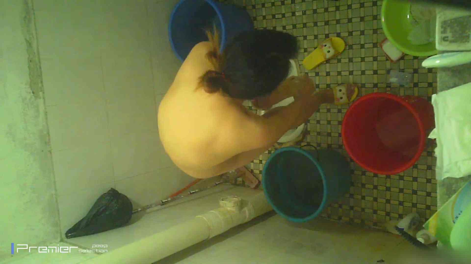 美女の痴態に密着!洗面所で入浴!  丸見え  84PIX 36