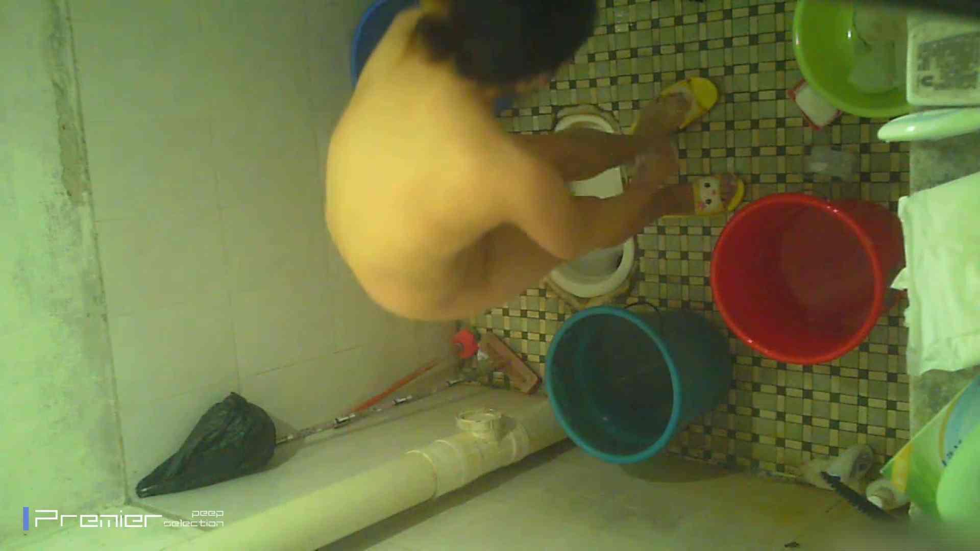 美女の痴態に密着!洗面所で入浴!  丸見え  84PIX 37
