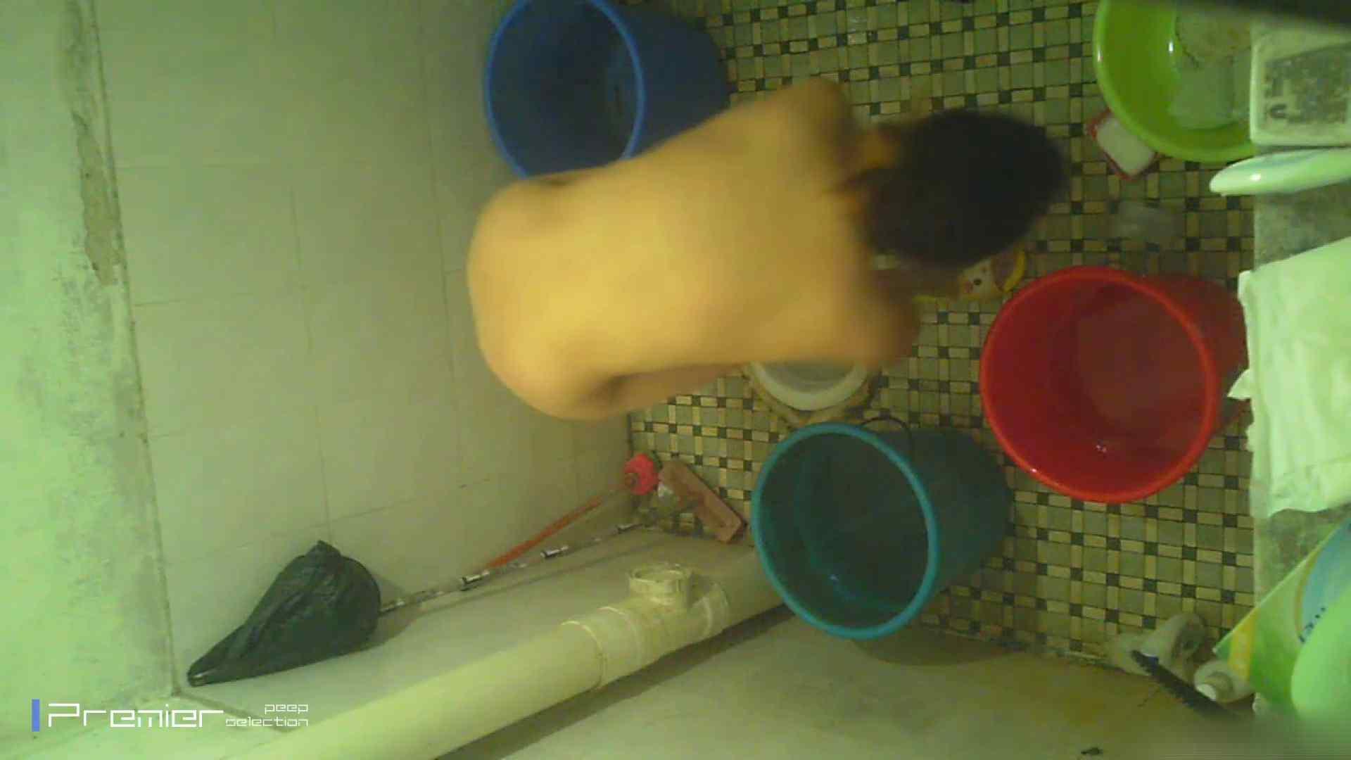 美女の痴態に密着!洗面所で入浴!  丸見え  84PIX 38