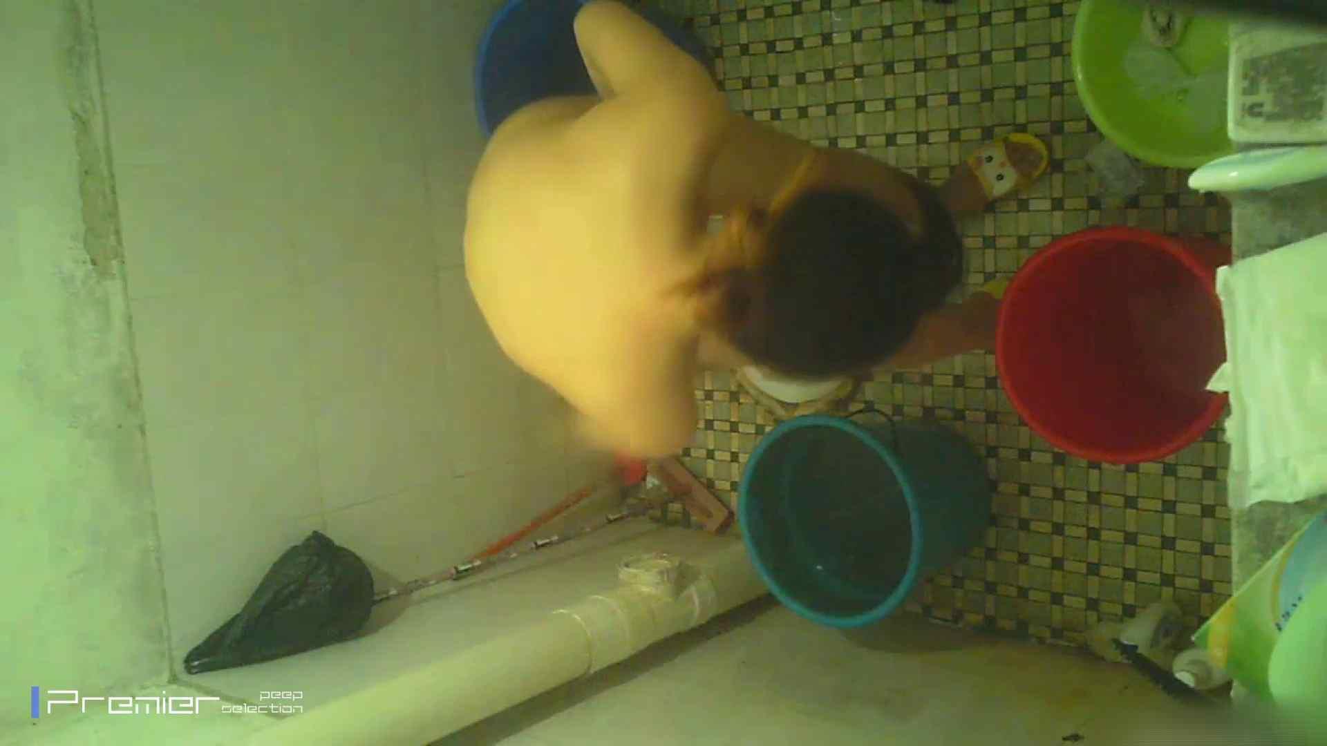 美女の痴態に密着!洗面所で入浴!  丸見え  84PIX 73