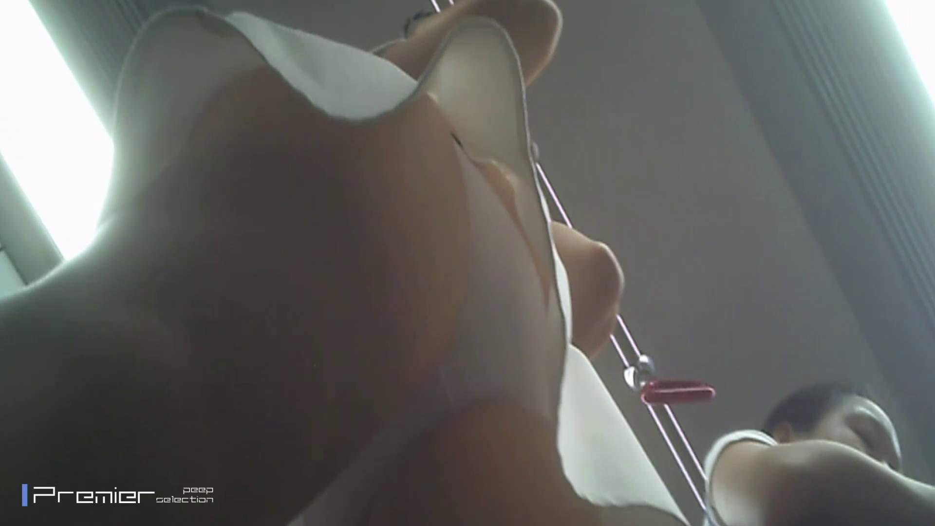 美女の痴態に密着!パンチラ編 Vol.02 美女  56PIX 32