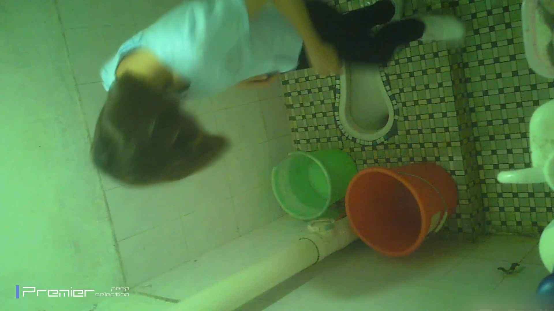 美女の痴態に密着!洗面所で体を洗う!絶世の美女 Vol.06 チラ  91PIX 25