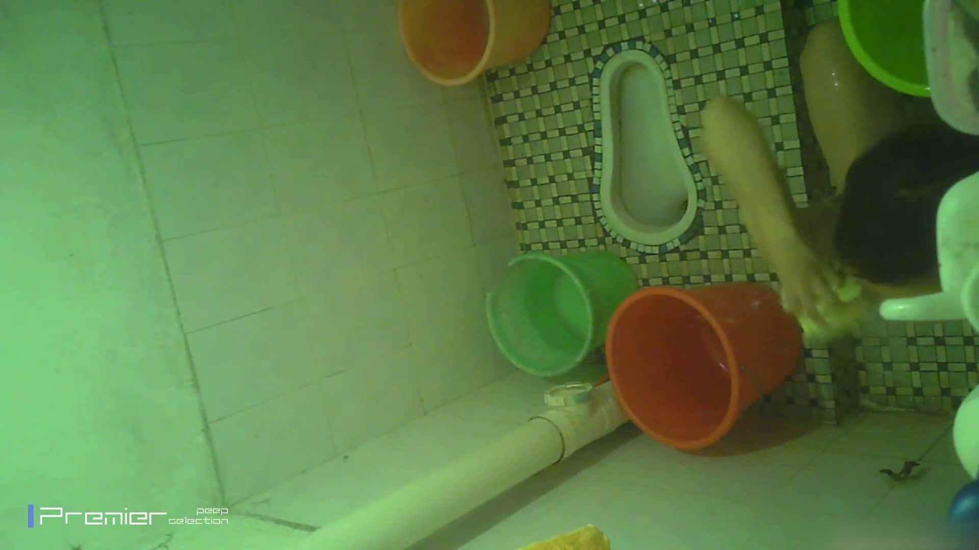 美女の痴態に密着!洗面所で体を洗う!絶世の美女 Vol.06 チラ  91PIX 40