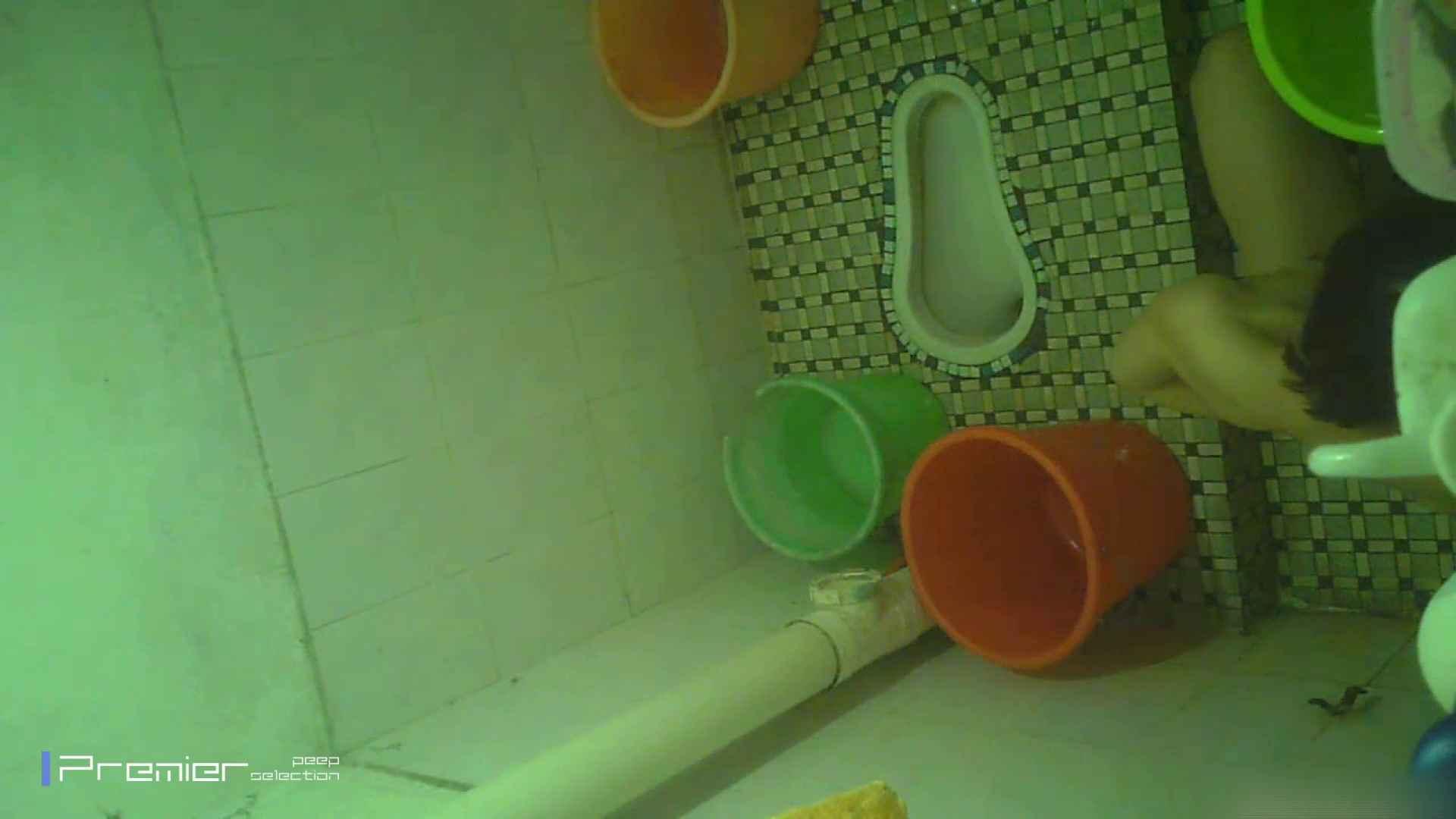 美女の痴態に密着!洗面所で体を洗う!絶世の美女 Vol.06 チラ  91PIX 42