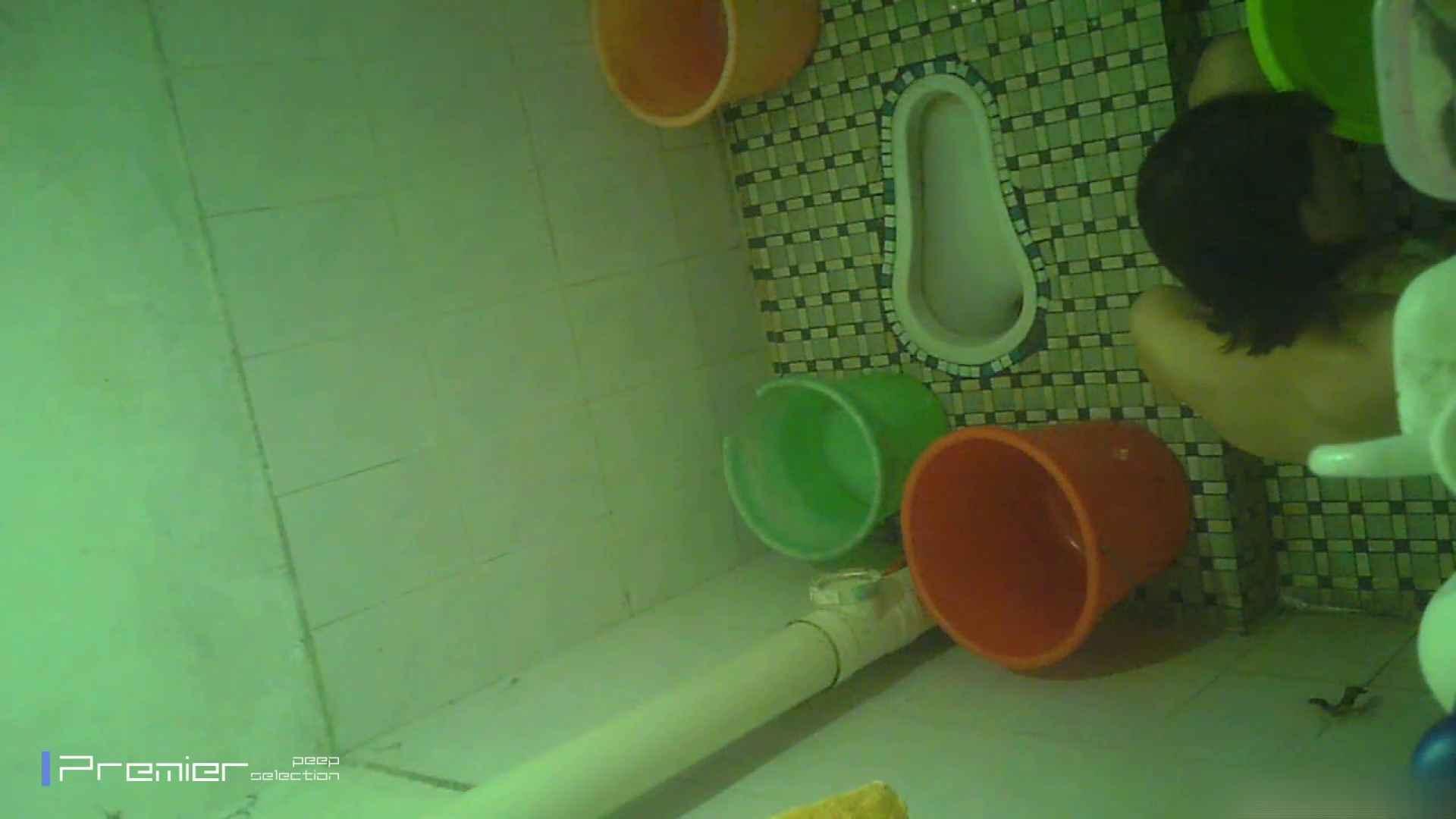 美女の痴態に密着!洗面所で体を洗う!絶世の美女 Vol.06 チラ  91PIX 44