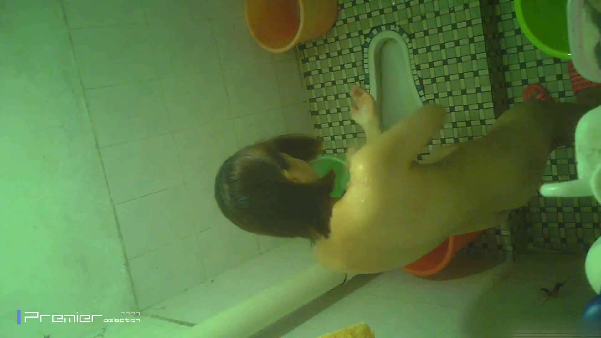 美女の痴態に密着!洗面所で体を洗う!絶世の美女 Vol.06 チラ  91PIX 45