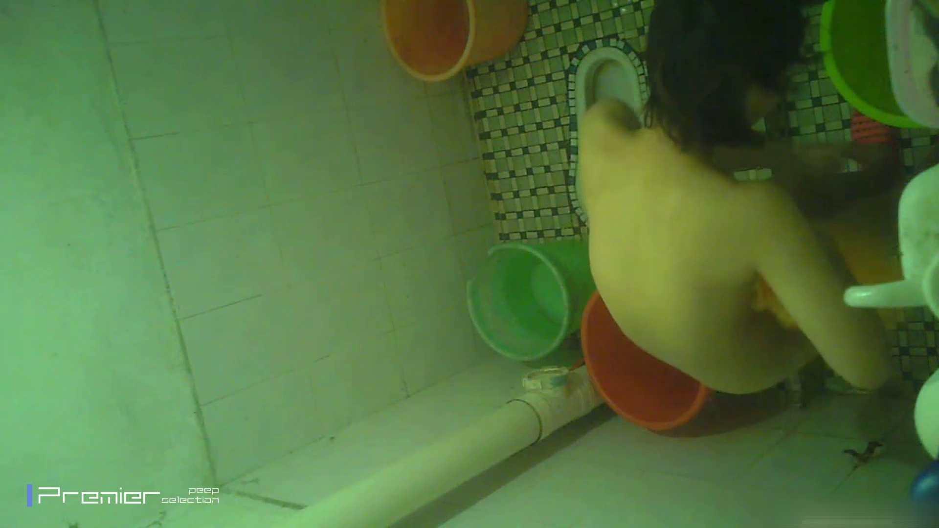 美女の痴態に密着!洗面所で体を洗う!絶世の美女 Vol.06 チラ  91PIX 72