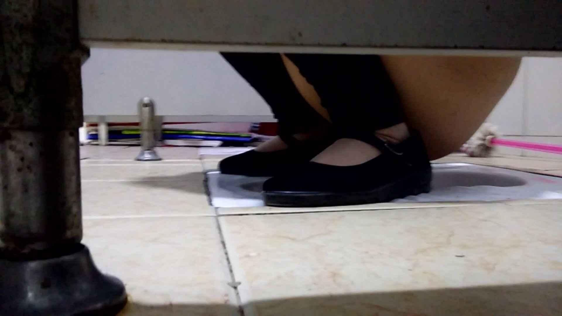 芸術大学ガチ潜入盗撮 JD盗撮 美女の洗面所の秘密 Vol.105 丸見え  100PIX 32