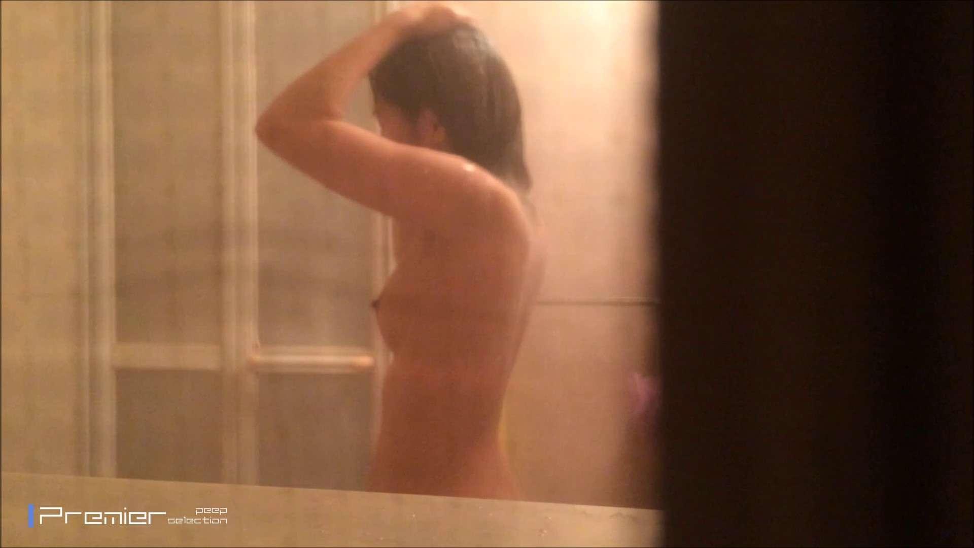 シャワーのお湯を跳ね返すお肌 乙女の風呂場 Vol.03 丸見え  96PIX 1
