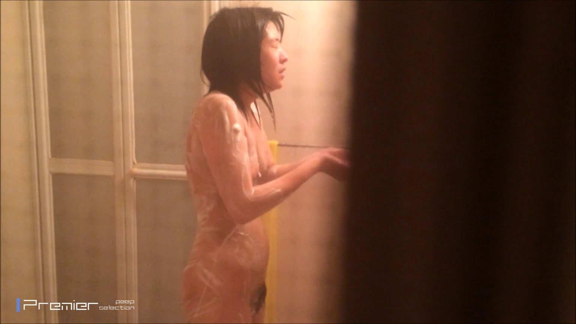 シャワーのお湯を跳ね返すお肌 乙女の風呂場 Vol.03 丸見え  96PIX 10