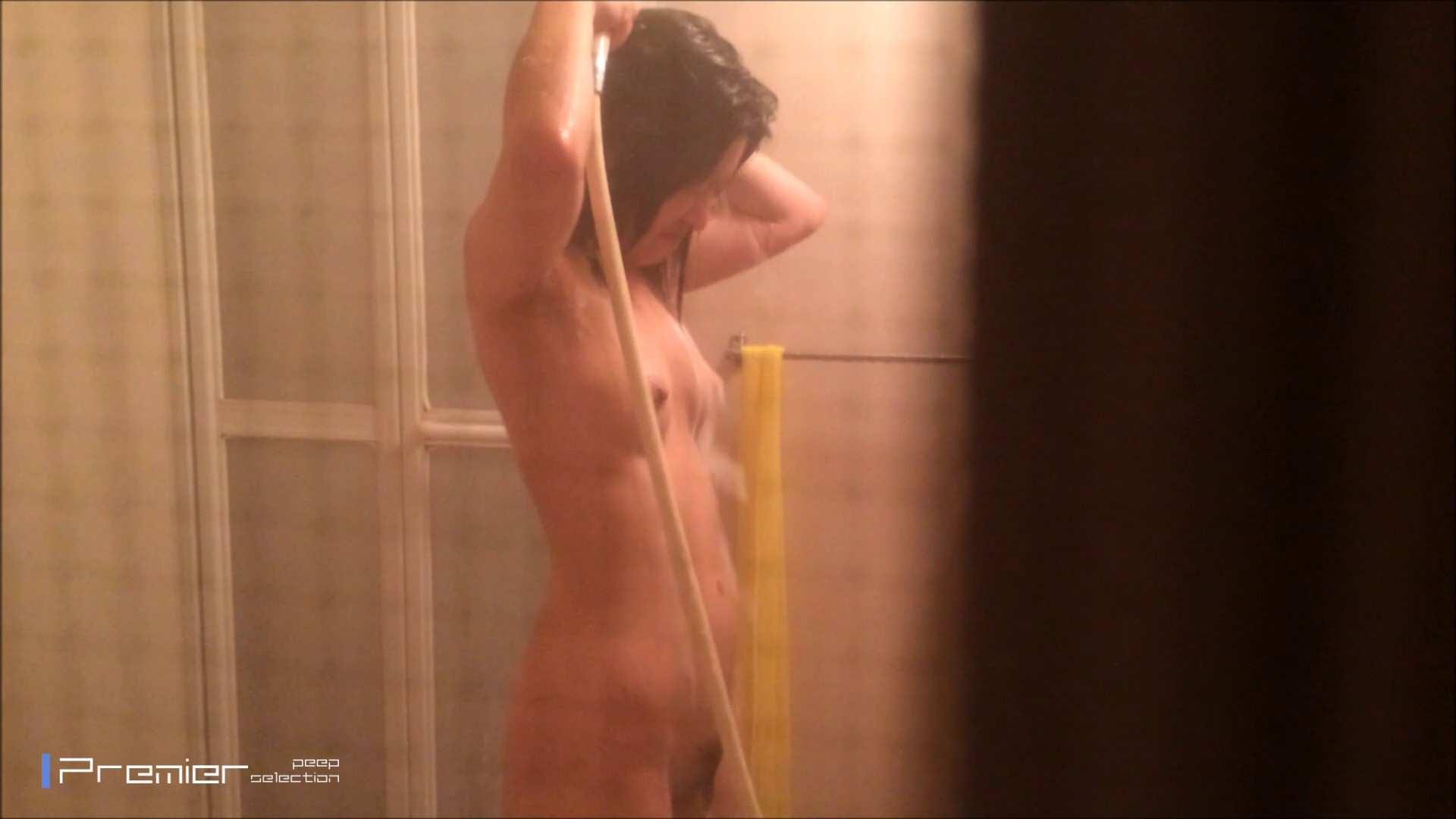 シャワーのお湯を跳ね返すお肌 乙女の風呂場 Vol.03 丸見え  96PIX 50