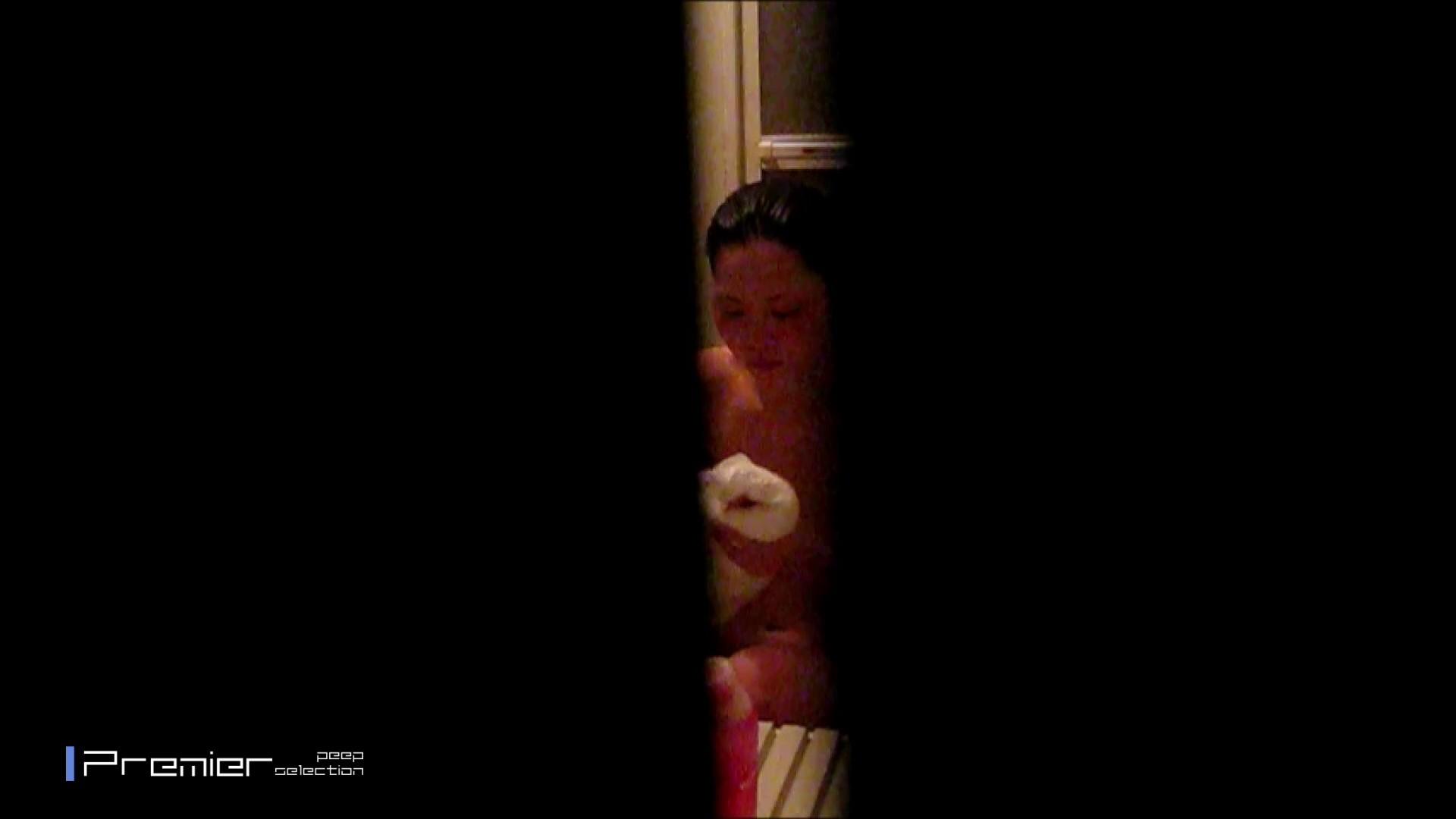 隙間撮り!黒髪美女の痴態 乙女の風呂場 Vol.11 美乳  97PIX 75
