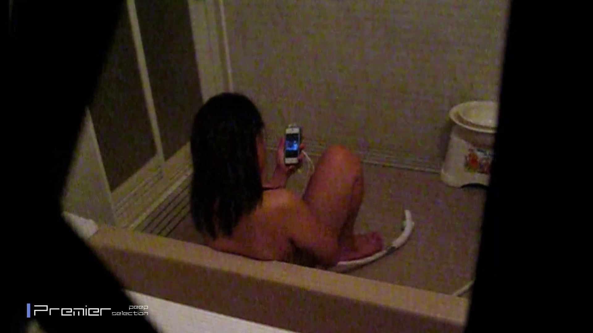 携帯触りなが満子をいじる 乙女の風呂場 Vol.19 ギャル  104PIX 32
