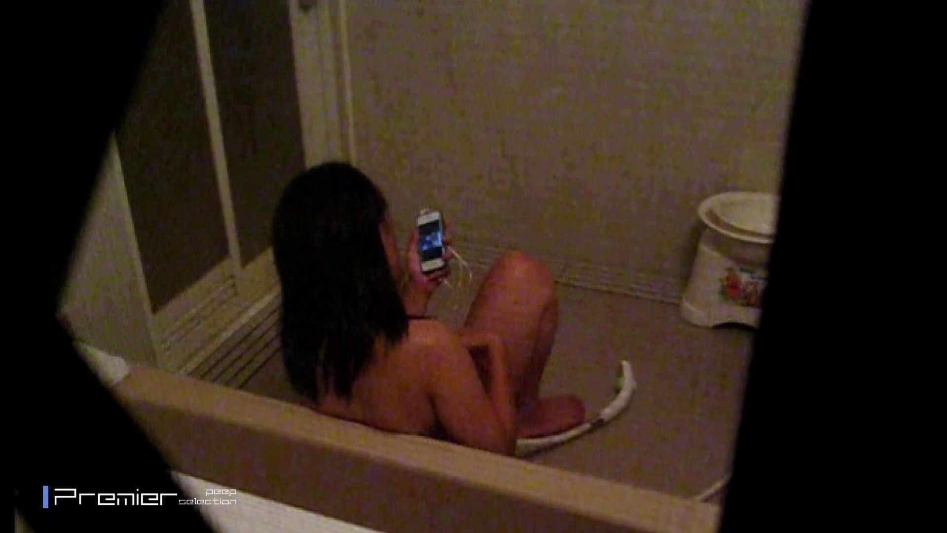 携帯触りなが満子をいじる 乙女の風呂場 Vol.19 ギャル  104PIX 42