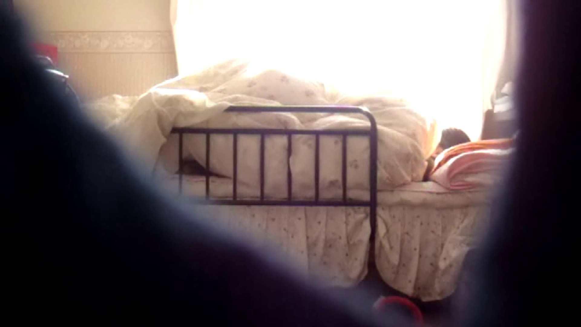 vol.4 まどかの帰宅後の部屋、ベッドで何かが始まります。 民家  58PIX 7