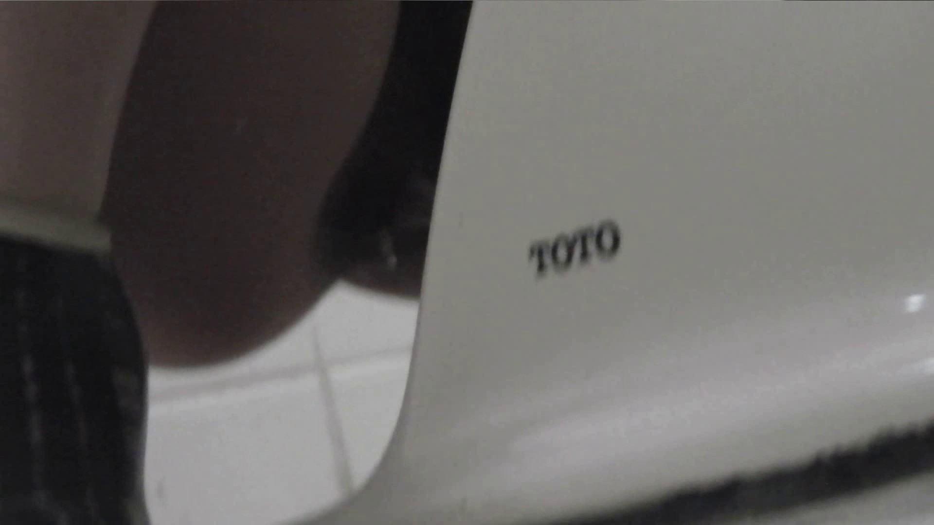 vol.27 命がけ潜伏洗面所! 多い日も安心じゃない件 高画質  100PIX 9