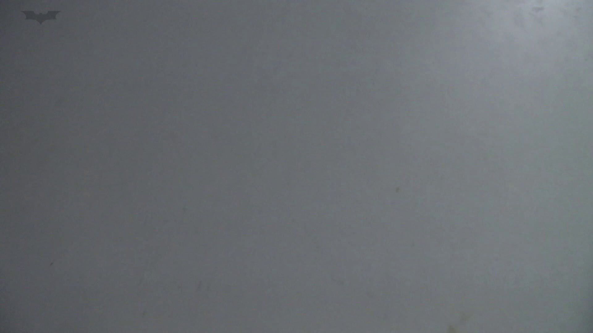 ▲復活限定▲マンコ丸見え!花火大会潜入撮 Vol.02 明るい場所に移動! お姉さん  62PIX 44