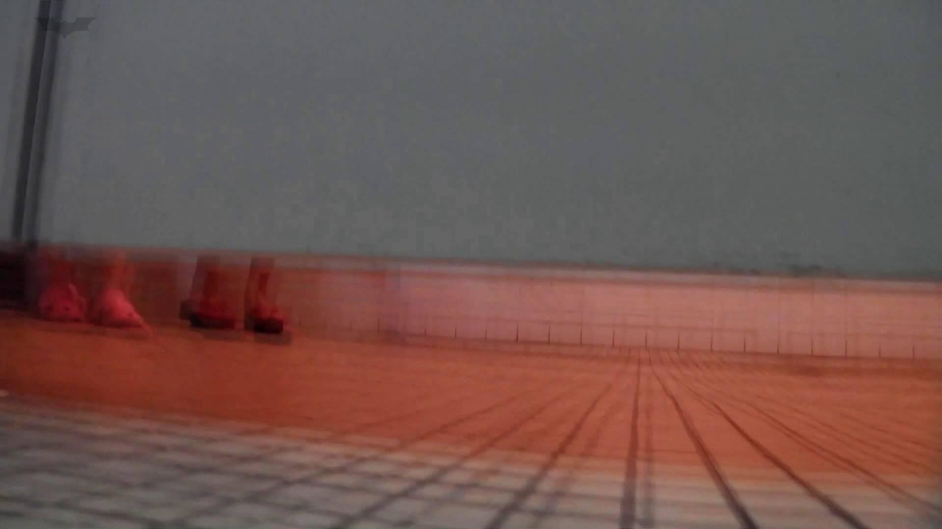 ▲復活限定▲マンコ丸見え!花火大会潜入撮 Vol.02 明るい場所に移動! お姉さん  62PIX 62
