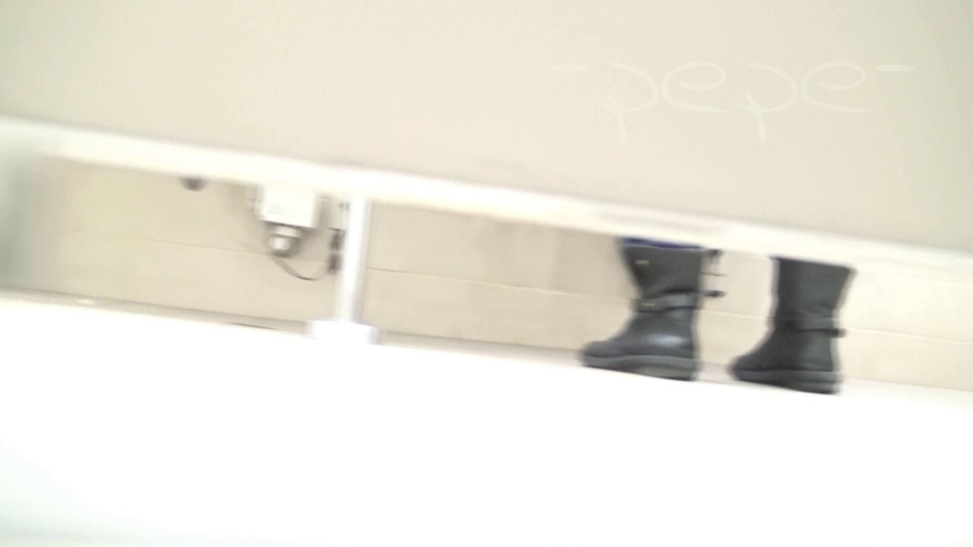 至高洗面所盗撮 01 至高の院内下方撮り 洗面所  70PIX 44