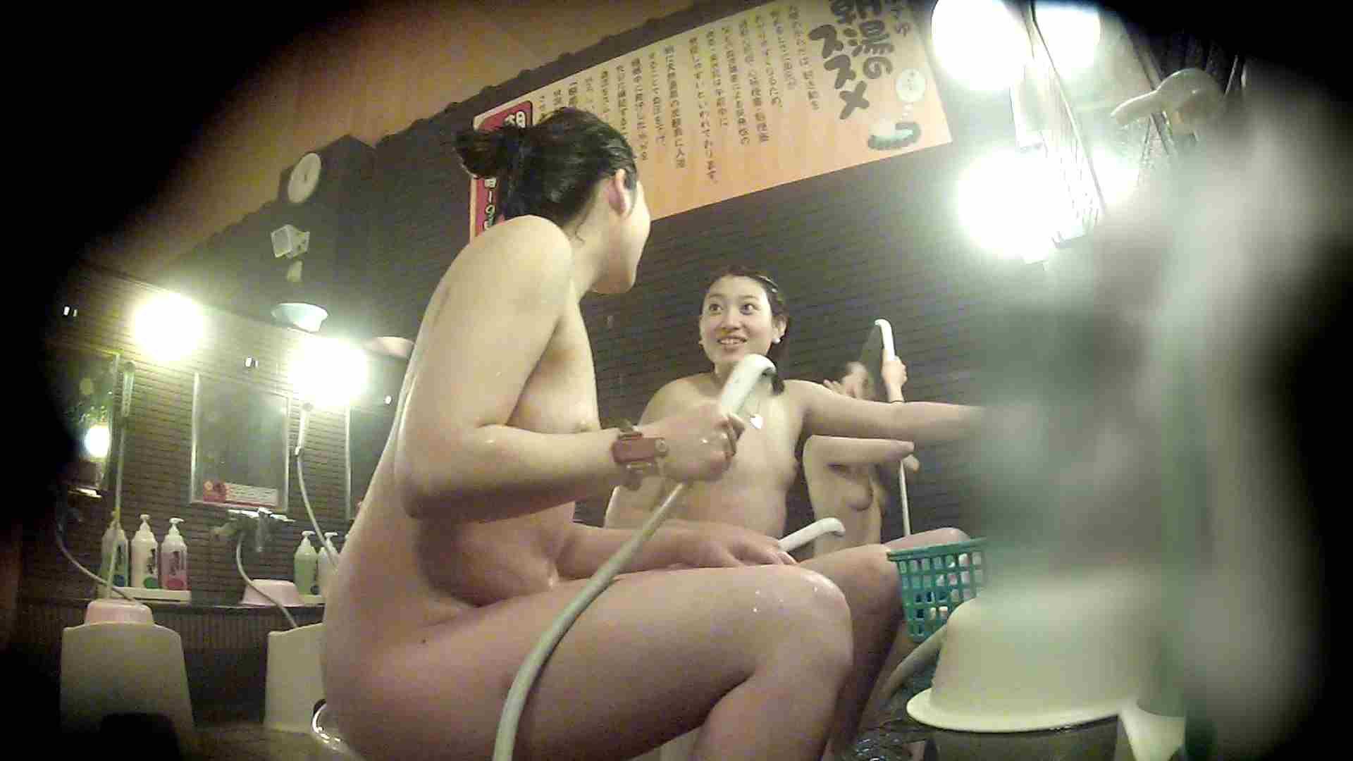 洗い場!お二人とも清楚でお美しいでございます。 美乳  67PIX 48