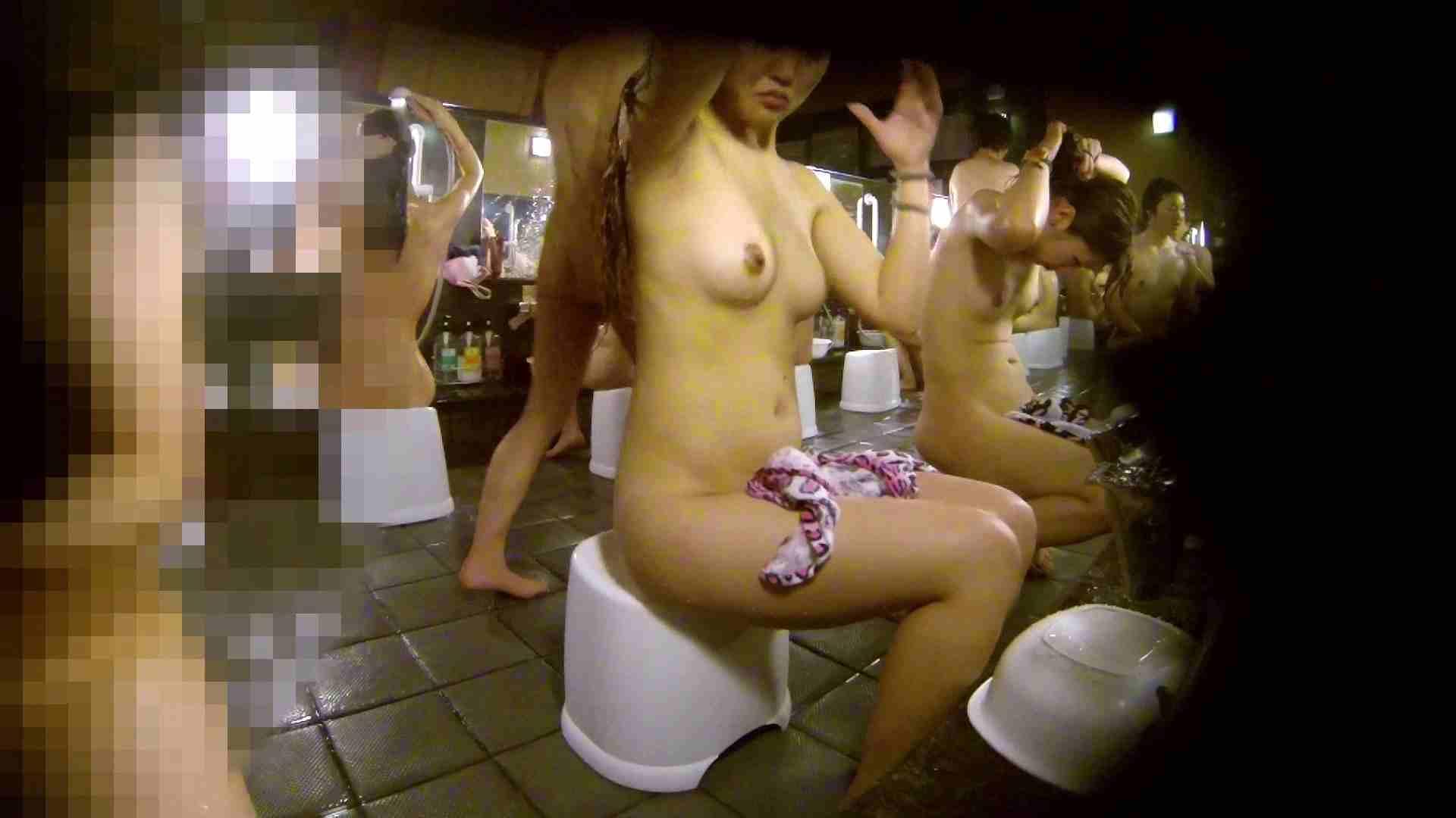 洗い場!ムッチリギャル2人組!ご飯だけでも一緒に行きたい
