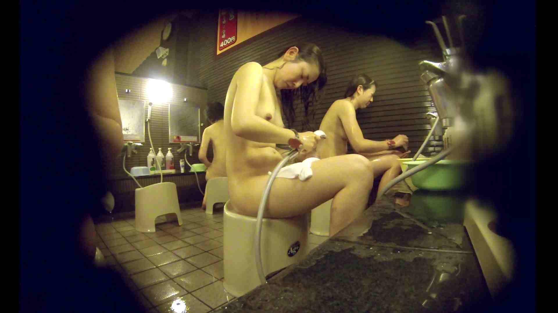 洗い場!しかし・・・綺麗な顔をしてますね。結婚したいな。 細身  73PIX 72