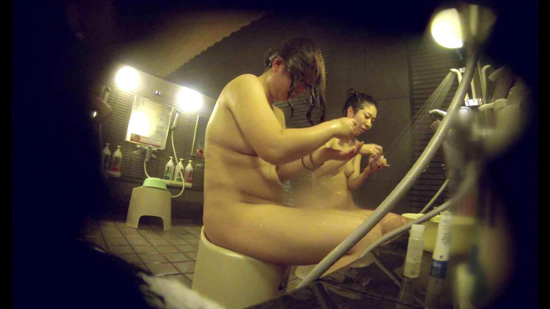 洗い場!んーーー残念なボディです。痩せれば抱けるかも? 潜入  52PIX 35