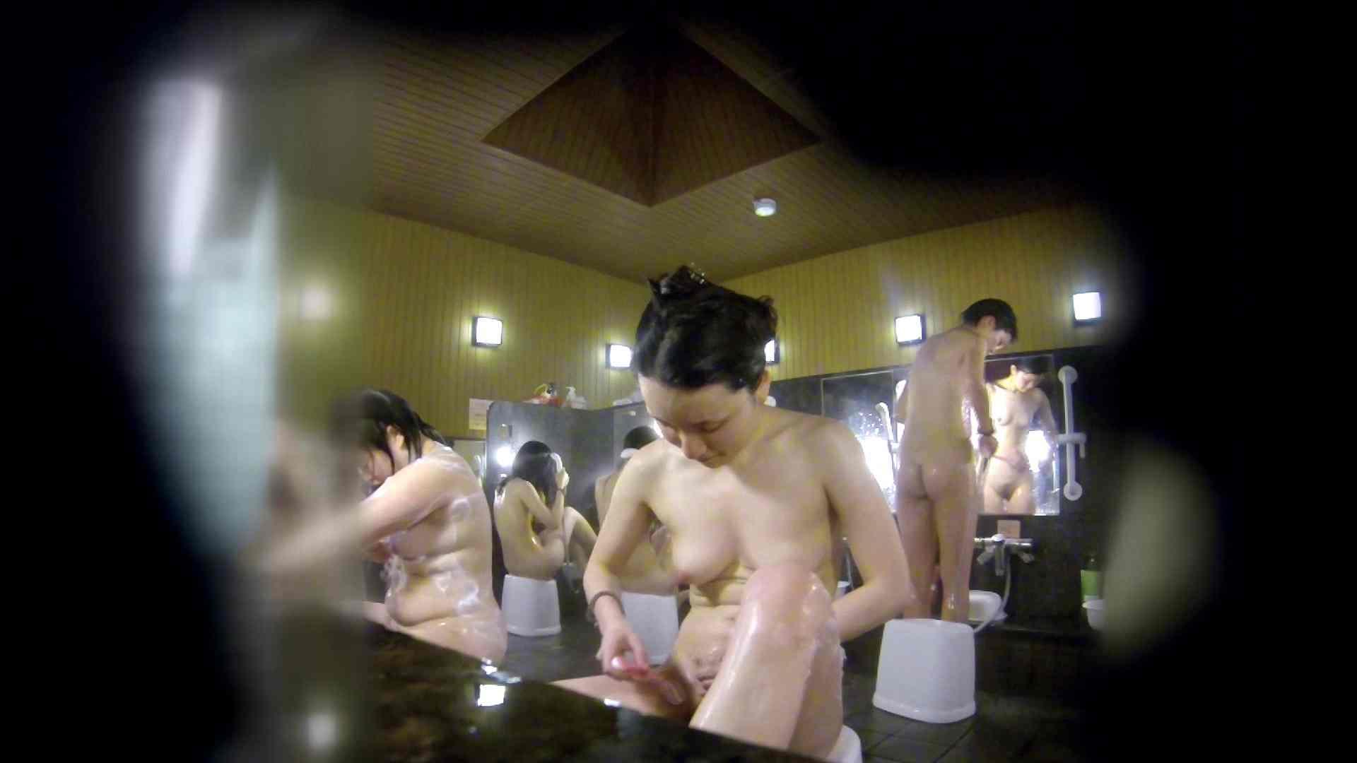 洗い場!アソコの毛辺の手入れで妄想が膨らみました。 女湯  109PIX 71