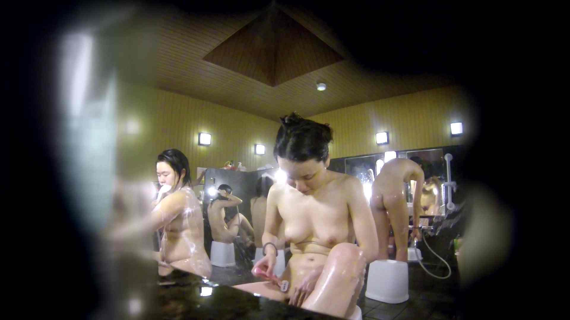 洗い場!アソコの毛辺の手入れで妄想が膨らみました。 女湯  109PIX 72