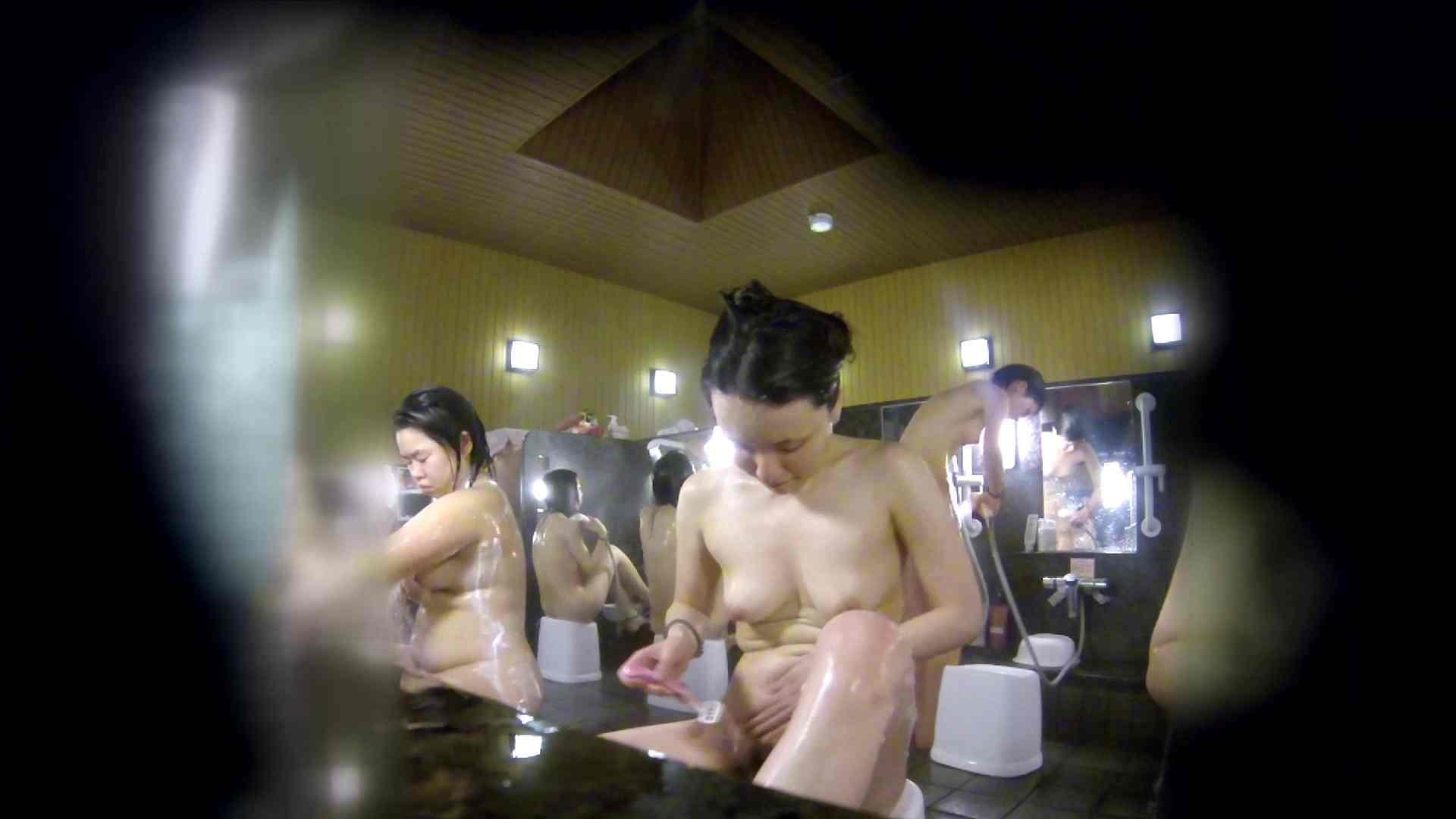 洗い場!アソコの毛辺の手入れで妄想が膨らみました。 女湯  109PIX 73