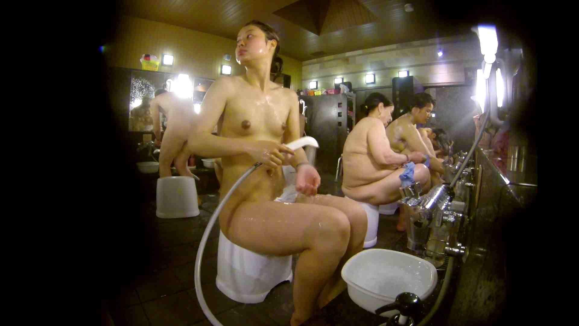 追い撮り!脱衣~洗い場、徹底追跡!撮り師さんに拍手!! 追跡  67PIX 19