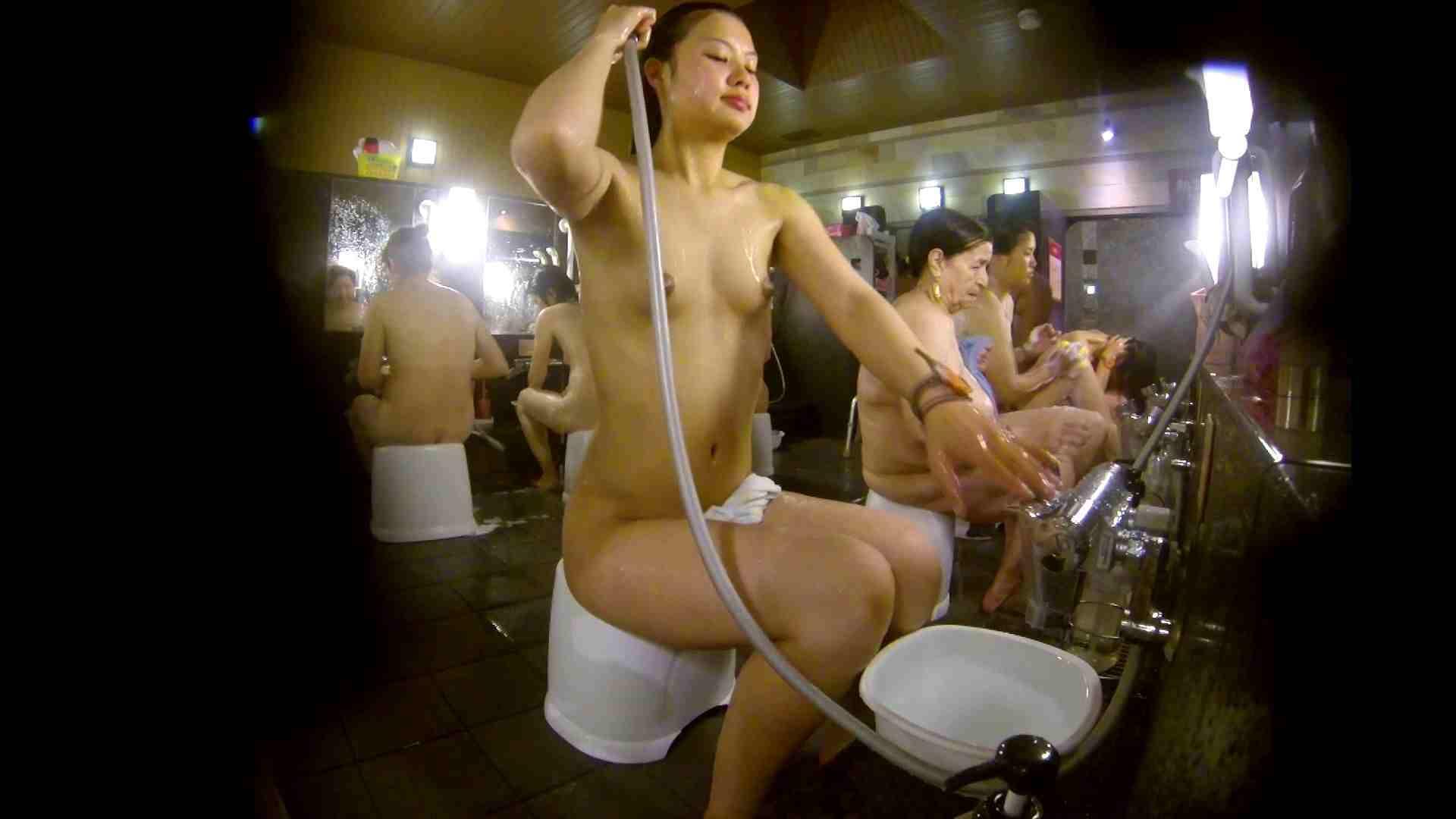 追い撮り!脱衣~洗い場、徹底追跡!撮り師さんに拍手!! 追跡  67PIX 21