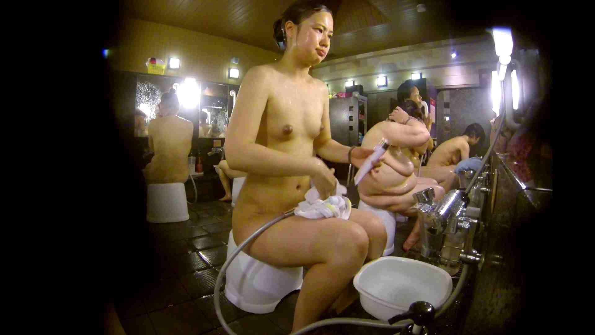 追い撮り!脱衣~洗い場、徹底追跡!撮り師さんに拍手!! 追跡  67PIX 34
