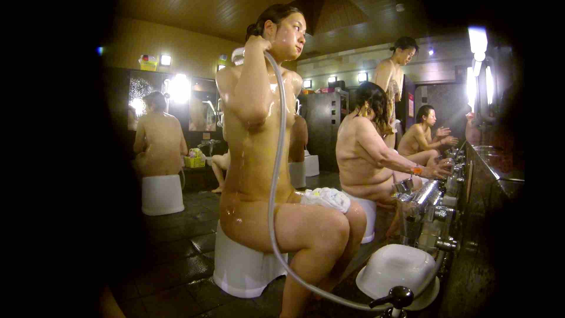 追い撮り!脱衣~洗い場、徹底追跡!撮り師さんに拍手!! 追跡  67PIX 46
