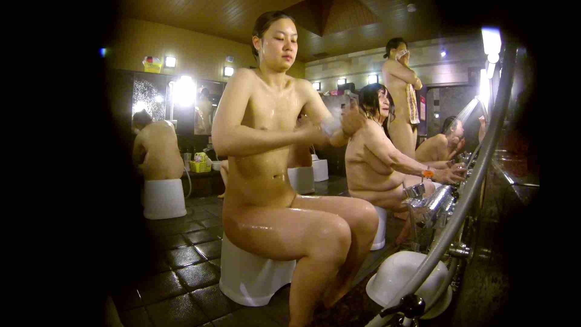 追い撮り!脱衣~洗い場、徹底追跡!撮り師さんに拍手!! 追跡  67PIX 48