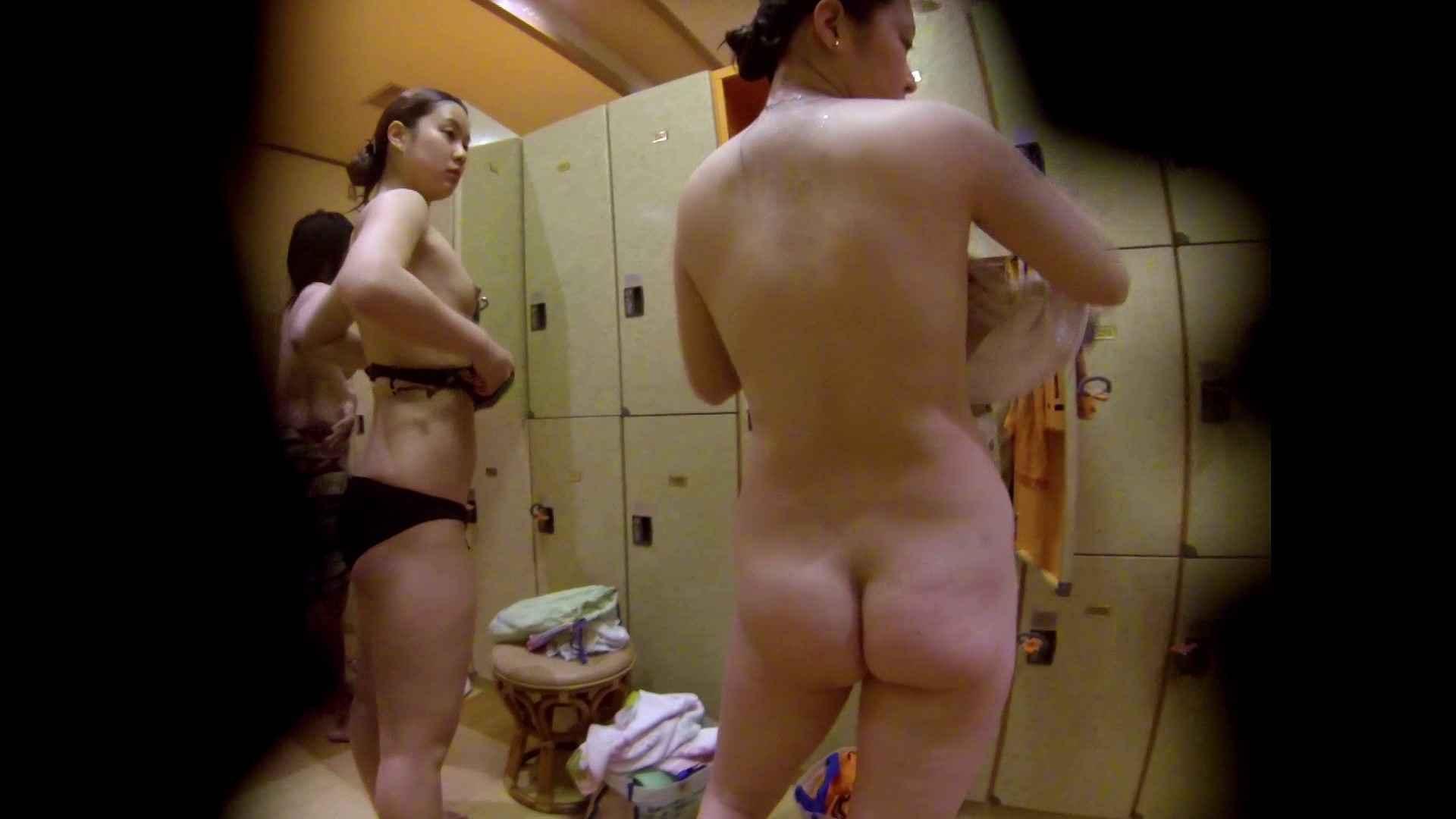追い撮り!脱衣~洗い場、徹底追跡!撮り師さんに拍手!! 追跡  67PIX 57