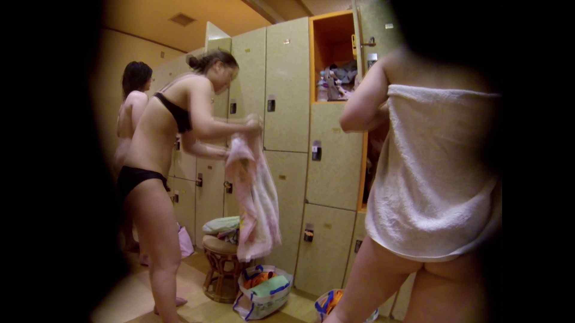 追い撮り!脱衣~洗い場、徹底追跡!撮り師さんに拍手!! 追跡  67PIX 58