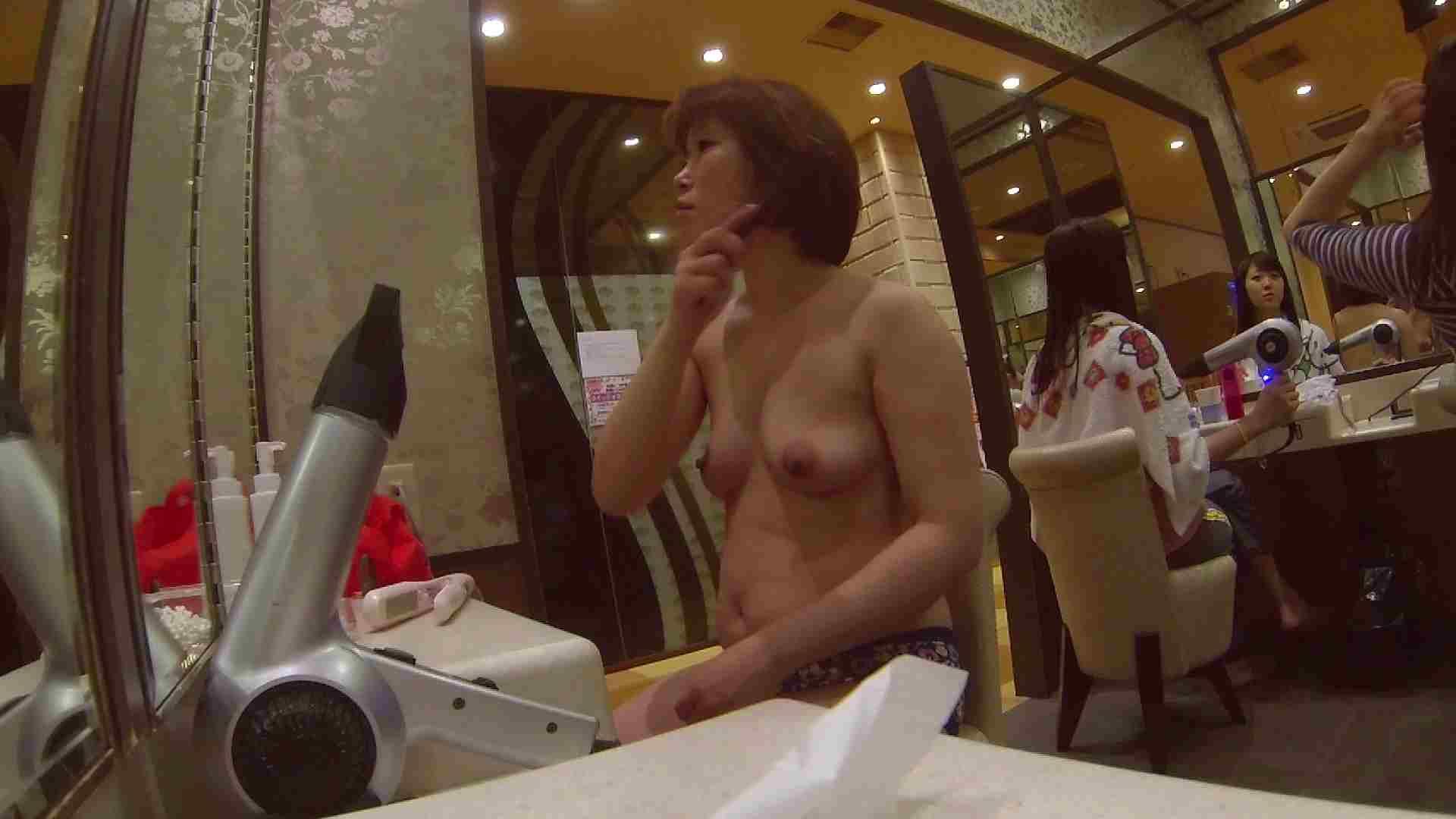 オムニバス!出入り口~シャワー~メイク室と移動。たくさんの女性が登場します アラ30  112PIX 8