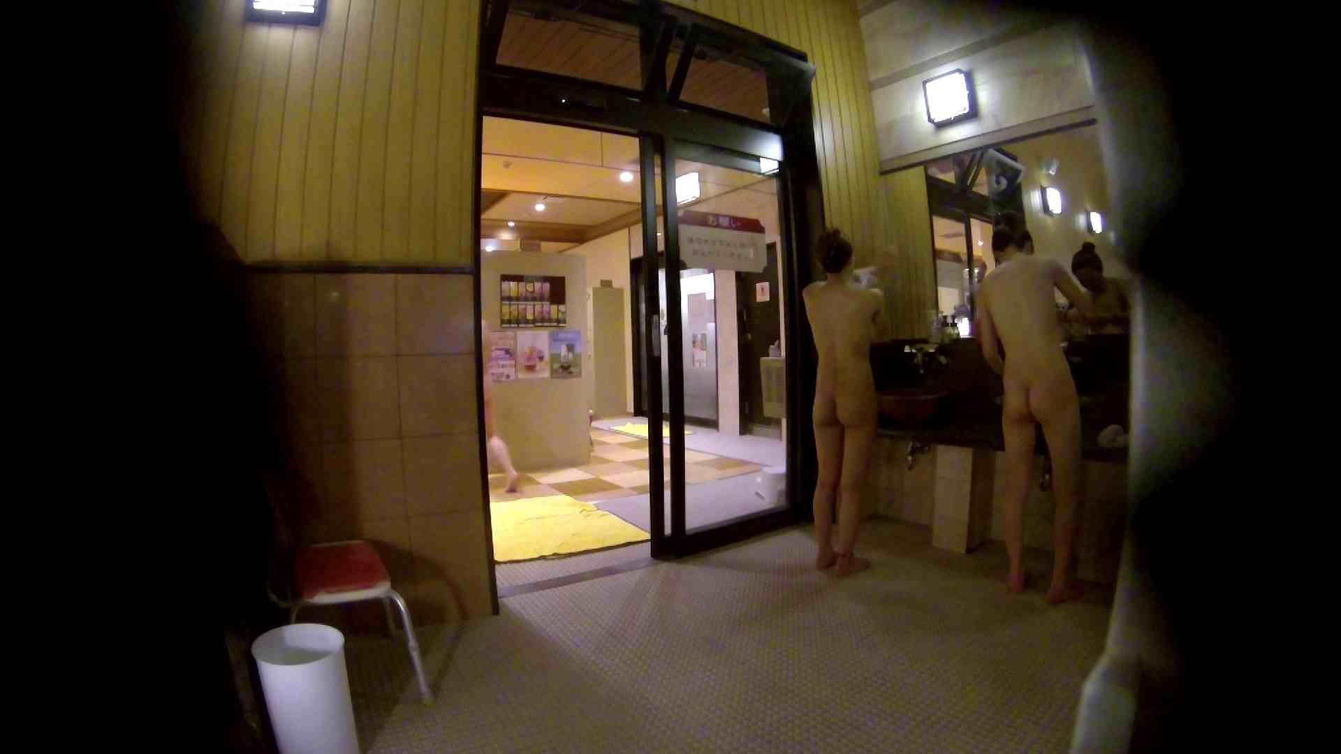 オムニバス!出入り口~シャワー~メイク室と移動。たくさんの女性が登場します アラ30  112PIX 34