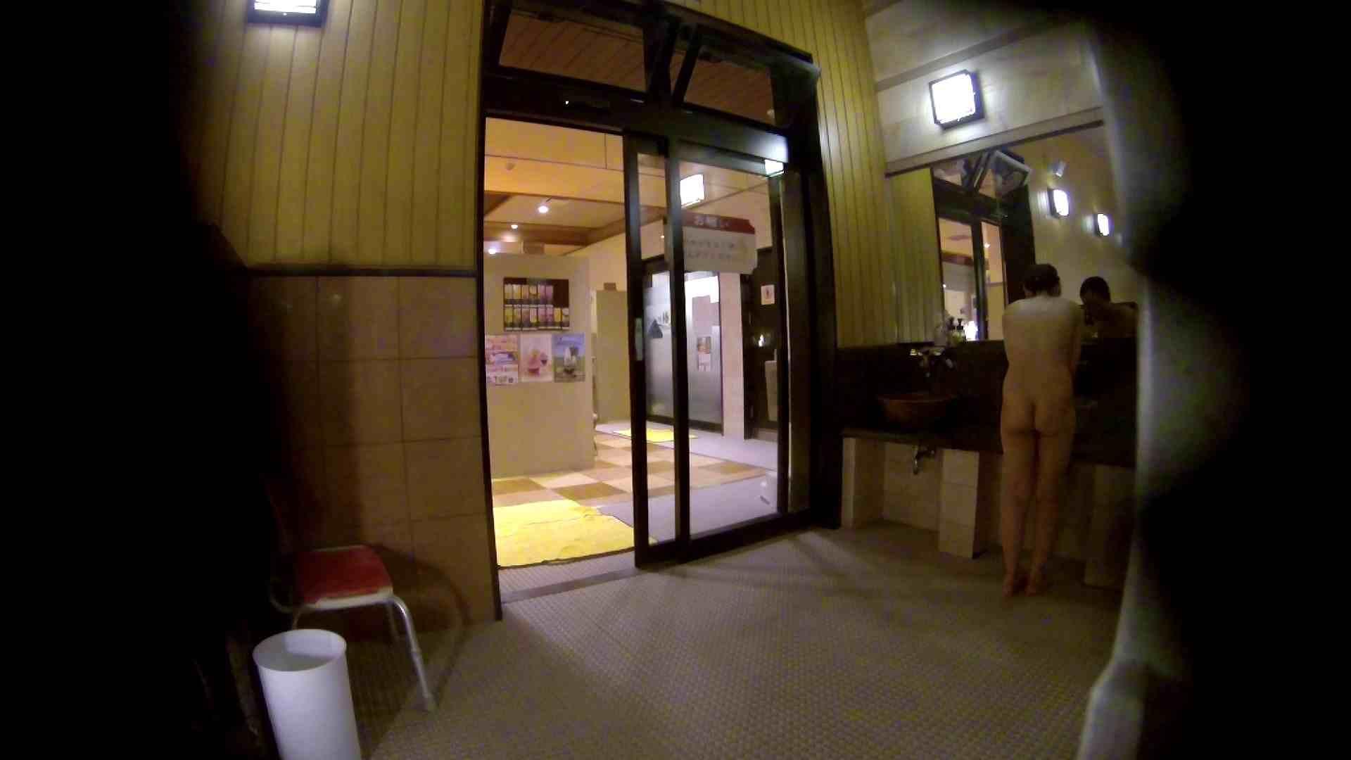 オムニバス!出入り口~シャワー~メイク室と移動。たくさんの女性が登場します アラ30  112PIX 46