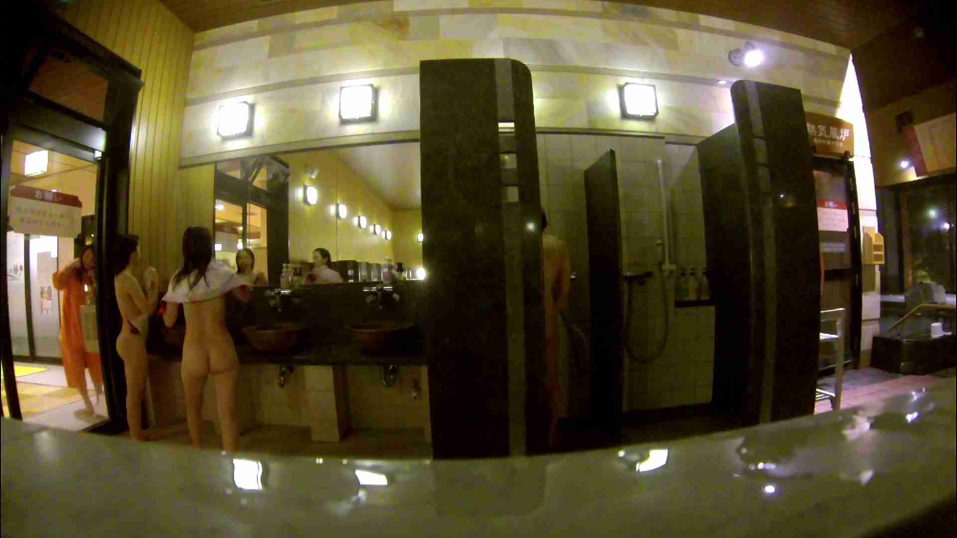 オムニバス!出入り口~シャワー~メイク室と移動。たくさんの女性が登場します アラ30  112PIX 57